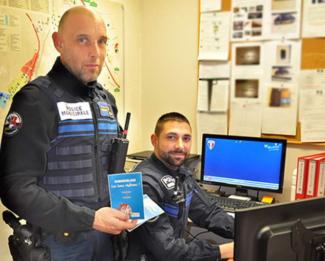 simon-prevot-a-rejoint-le-service-de-police-malatavernois-fin-2015-avec-p-d-exbrayat-une-campagne-de-sensibilisation-du-public-vient-detre-lancee-en-matiere-de-prevention-contre-les-cambriolages
