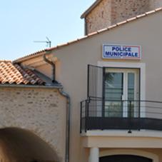 le-bureaud-e-police-municipale-de-malataverne-est-situe-a-lannexe-de-la-mairie