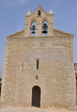 la-facade-de-la-chapelle-de-rac-a-ete-renovee-au-cours-de-lete-2010-par-la-societe-specialisee-litho-doc-fondee-par-serge-aviotte